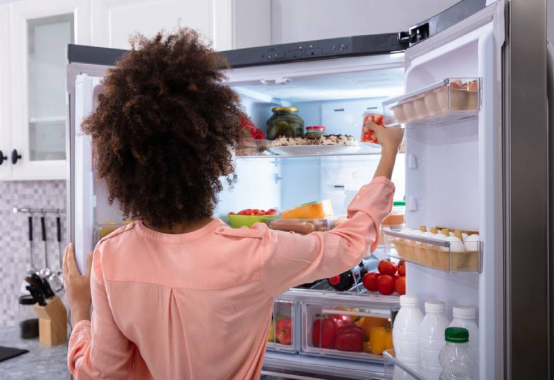 Foods you should never store in the fridge even though many of us do