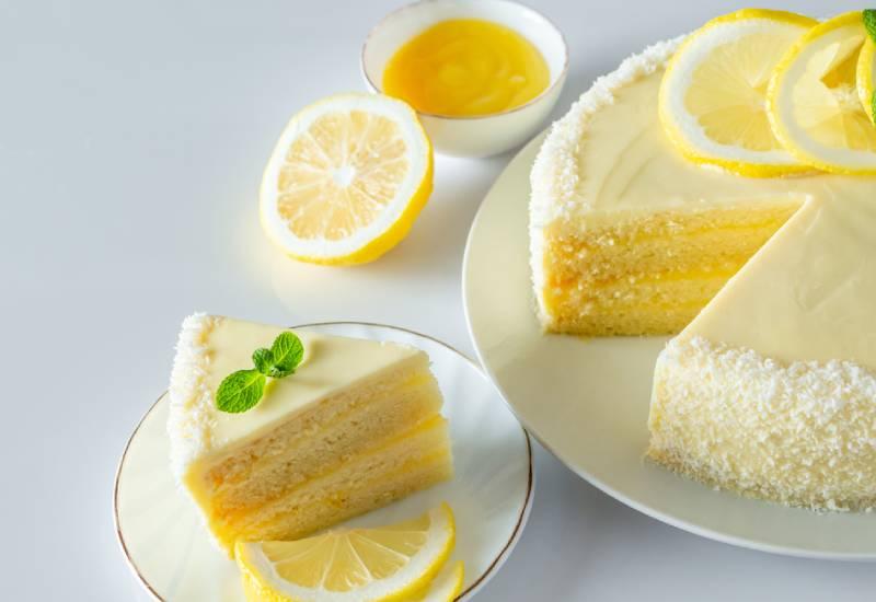 Eve bakes: Lemon and buttermilk pound cake