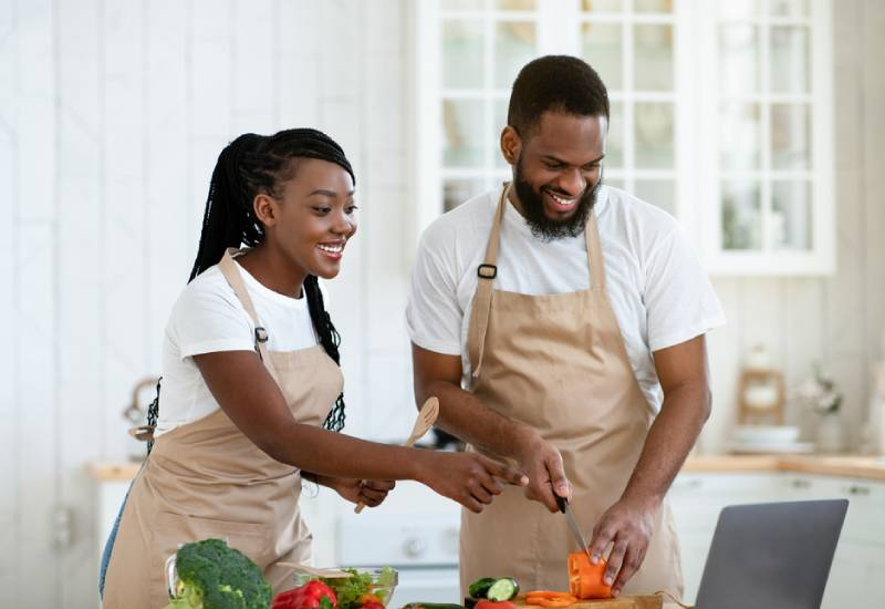 How to meal plan with your partner