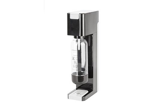 Kitchen gadget: Sparkling water maker