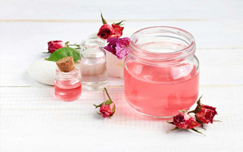 Amazing properties of rose water you should know