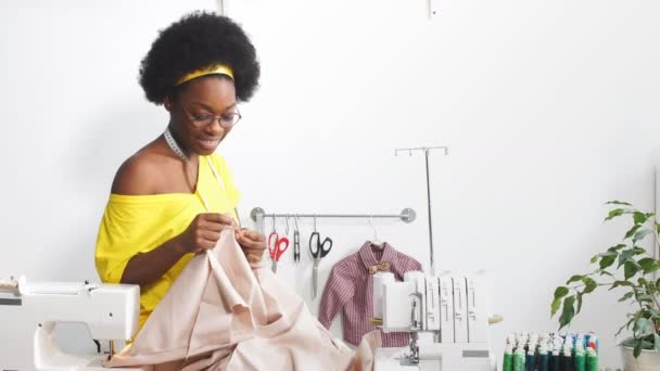 From the ones who take off with wedding gowns, to the rest who can't work without deposit: Here are the types of tailors you love to hate