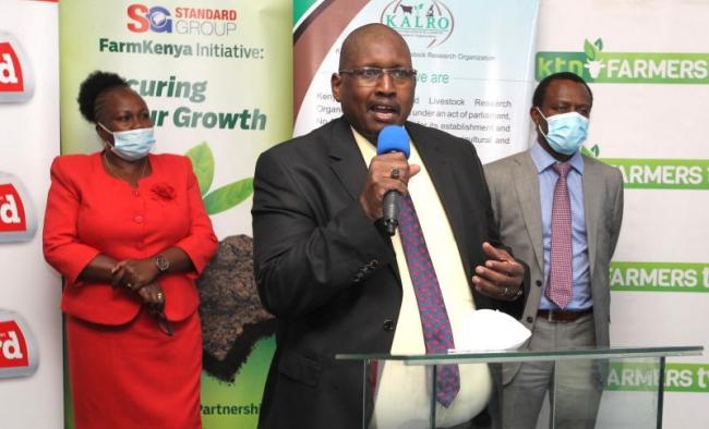 Director corporate communications Kenya Agricultural and Livestock Research Organization (KALRO) Virginia Wangari, Director General KALRO Dr Eliud Kireger (center) and CEO Standard Group Orlando Lyomu