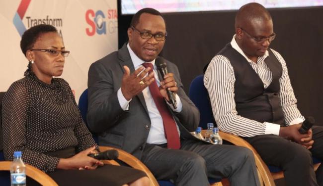 Vice chair of parents Association Sarah Ngithinji(left) Chairman of Kenya publishers Association Lawrence Njagi and Education expert Jonathan Osaya