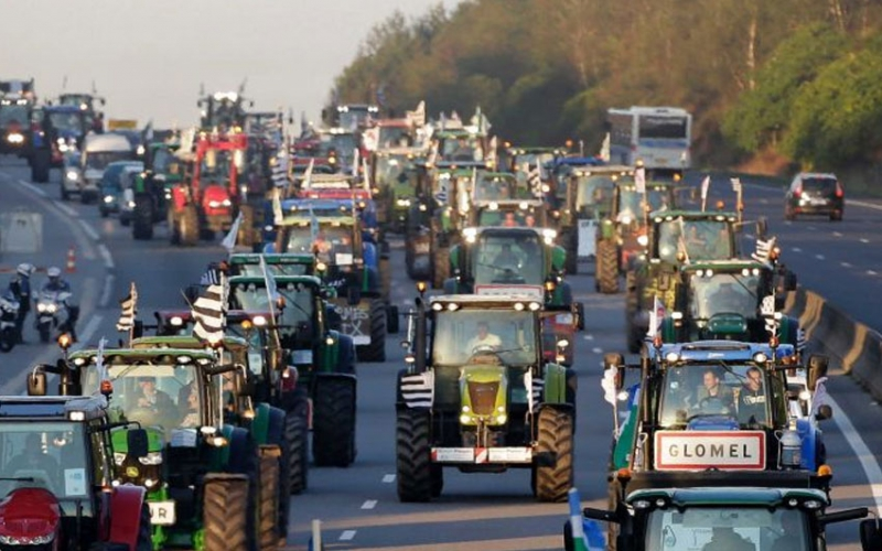 Tractor protestors cause worst traffic in Dutch history
