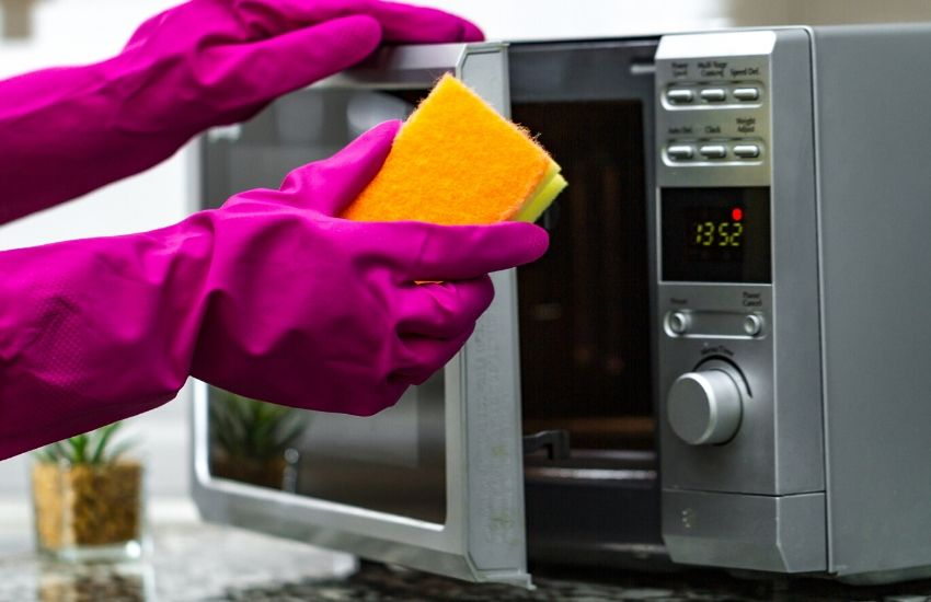 How to give your microwave a deep clean