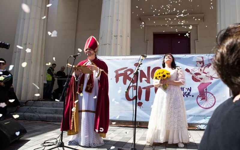 Woman who married herself 4 years ago renews wedding vows in flash mob ceremony