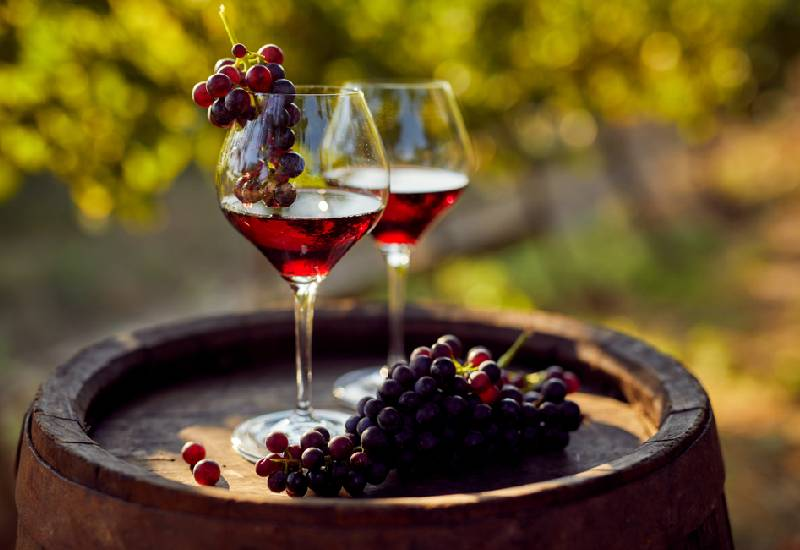Eight ways to use red wine for facial skin care
