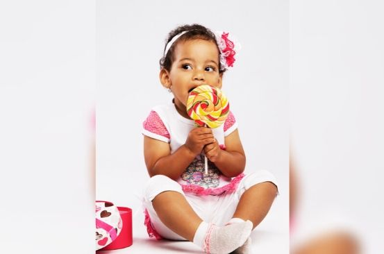 Four reasons why you should not gift kids sweet whenever you visit them