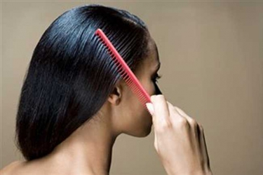 How to use honey to hasten hair growth.