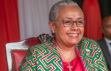 Rocking grey hair like First Lady Margaret Kenyatta