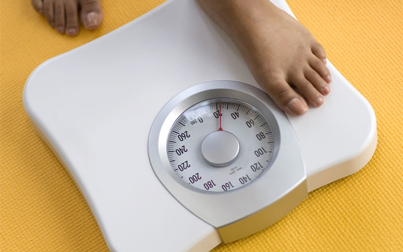 Dietitian explains why you should never trust the number on your bathroom scales