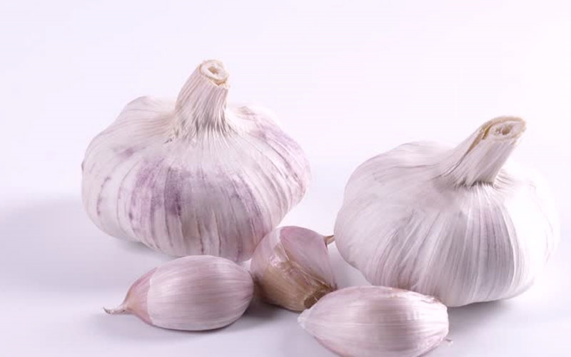 Eating more garlic could help improve your memory