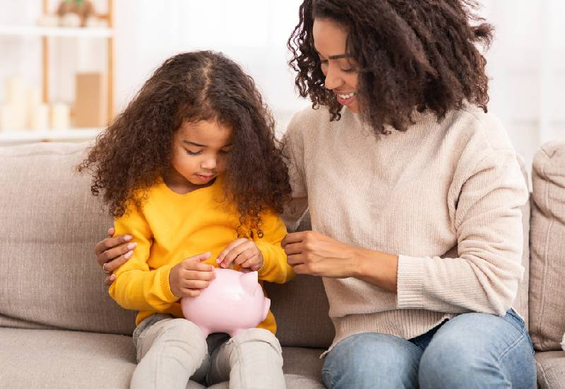 Tips on how to raise financially independent children