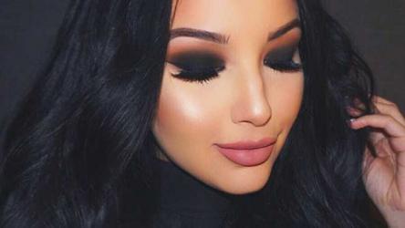 5 Ways  to remove  eye make-up