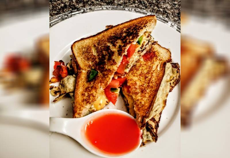 Easy recipe: Egg, tomato, capsicum and cheese toasted sandwich