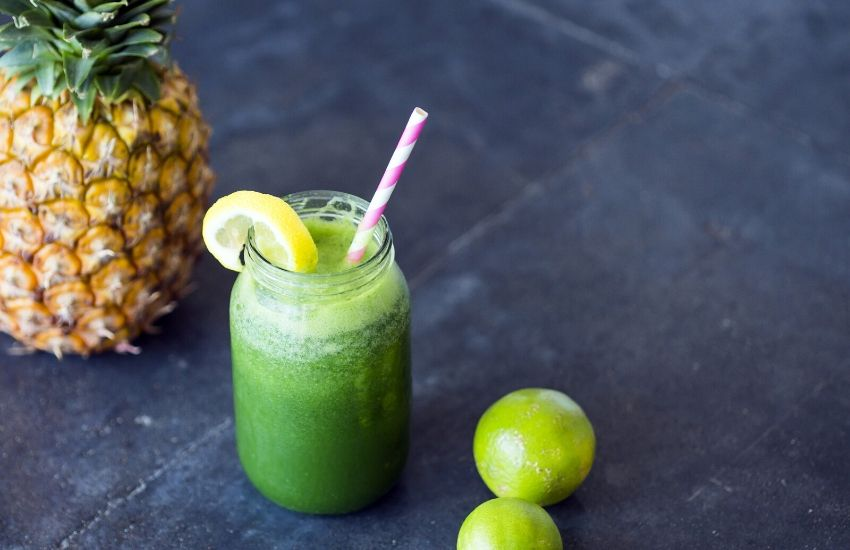 Easy steps to making spinach juice at home