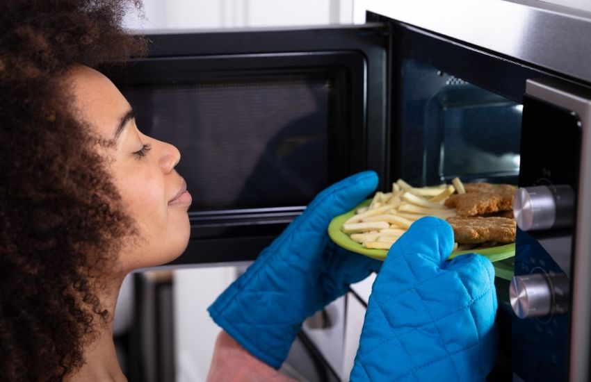 Five items you should not put in a microwave
