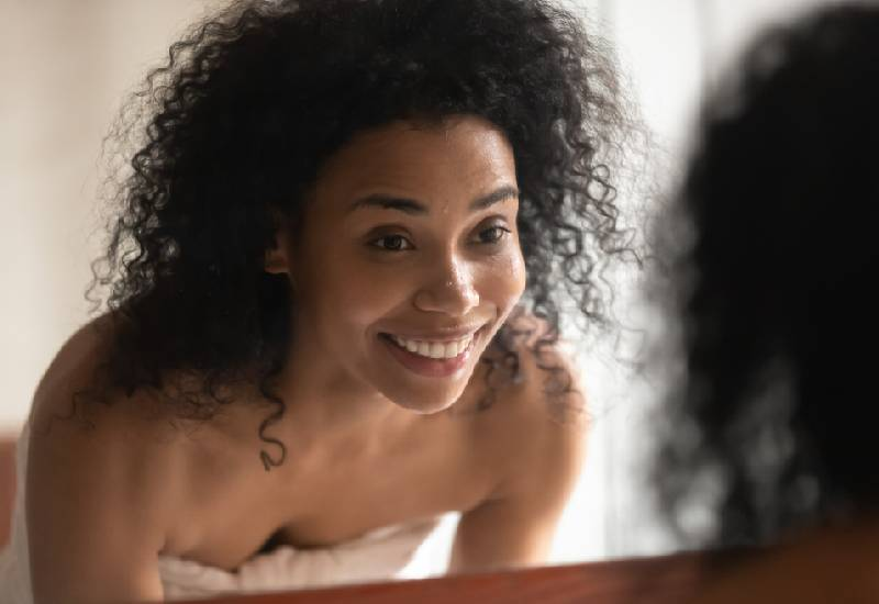Natural ways to detoxify your hair