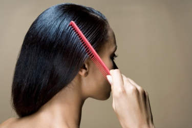 4 natural oils that can prevent hair loss and dandruff