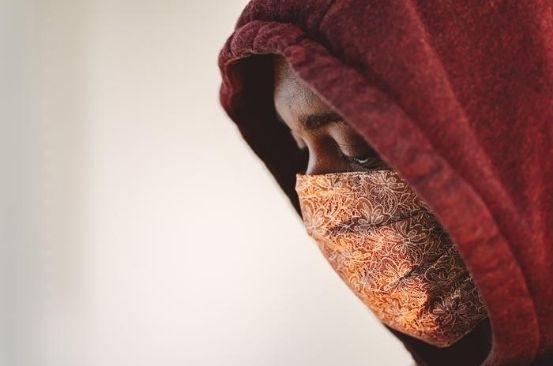 Bandanas and scarves as DIY face masks