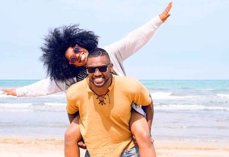 Five tips on how to date a traveler
