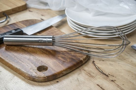 Kitchen gadget: Balloon or piano whisk