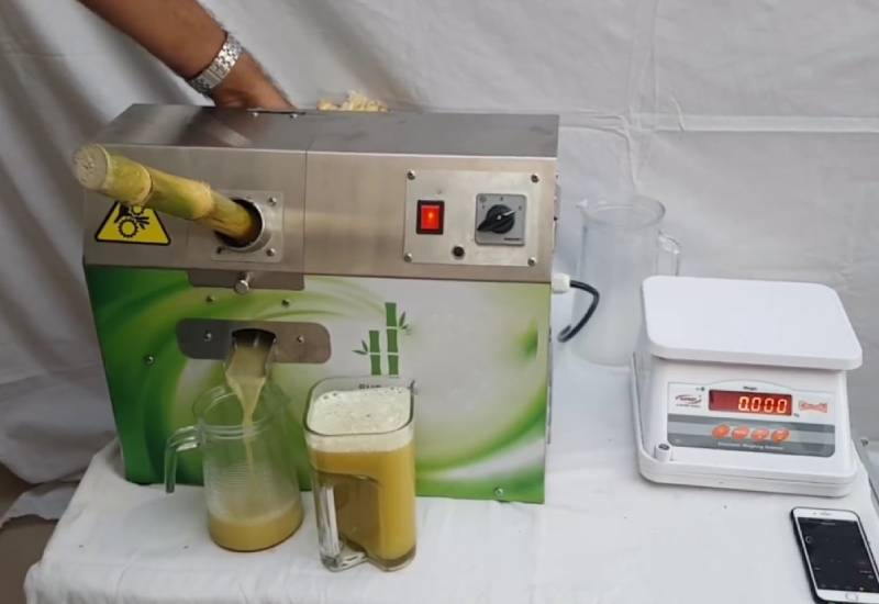 Kitchen gadget: Sugarcane juicer