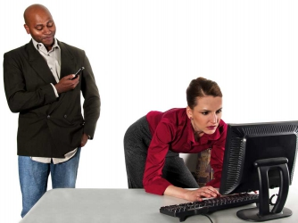 Ladies, here is how to deal with office sexual harassment