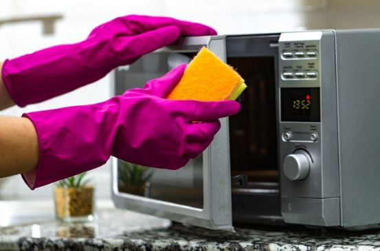 Mum shares simple trick to clean your microwave without having to scrub it