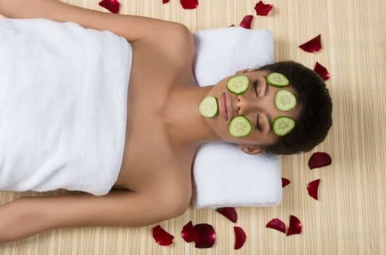 Six benefits of a cucumber face mask