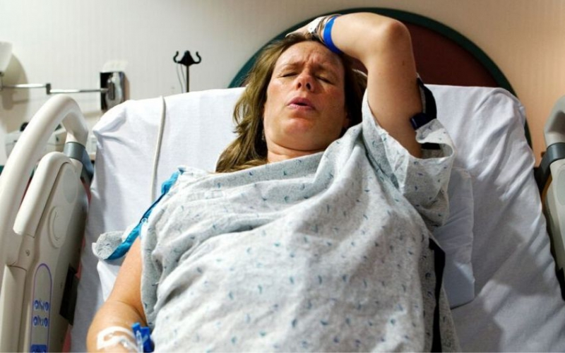 Expectant woman bans her mother from delivery room over behaviour at first birth