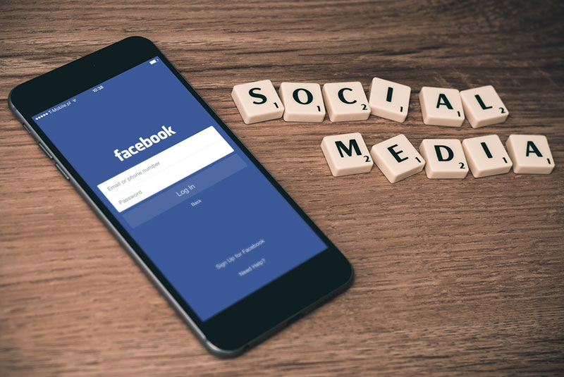 Is social media taking over your life? Tips to detoxify