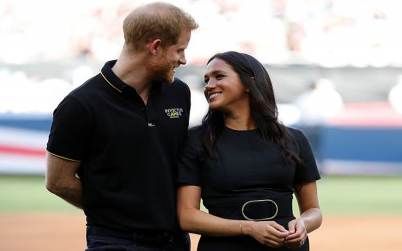 Meghan Markle joins Harry at baseball game as they receive adorable gifts for Archie