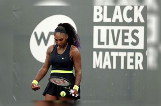 Serena Williams parents from the court in first match since the pandemic