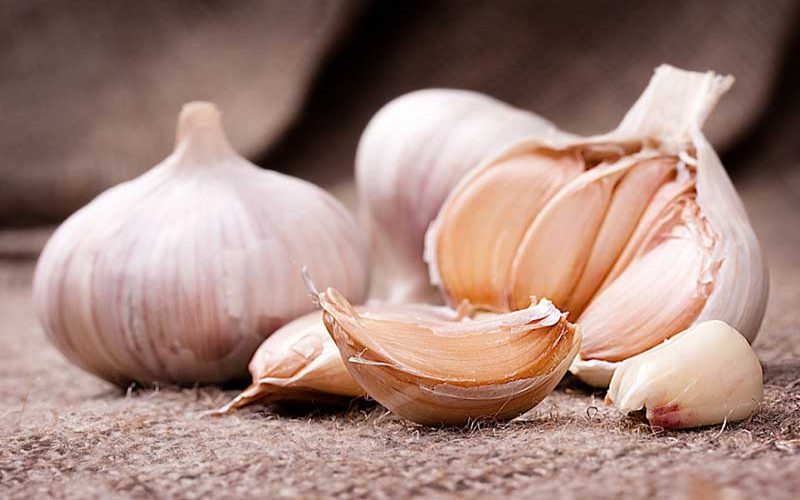 Doctors urge women to stop putting garlic in their privates