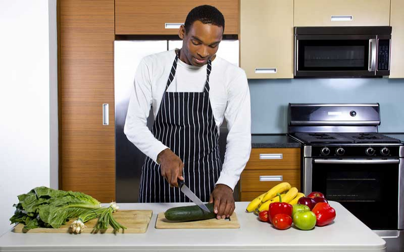 Simple kitchen skills you can learn at home