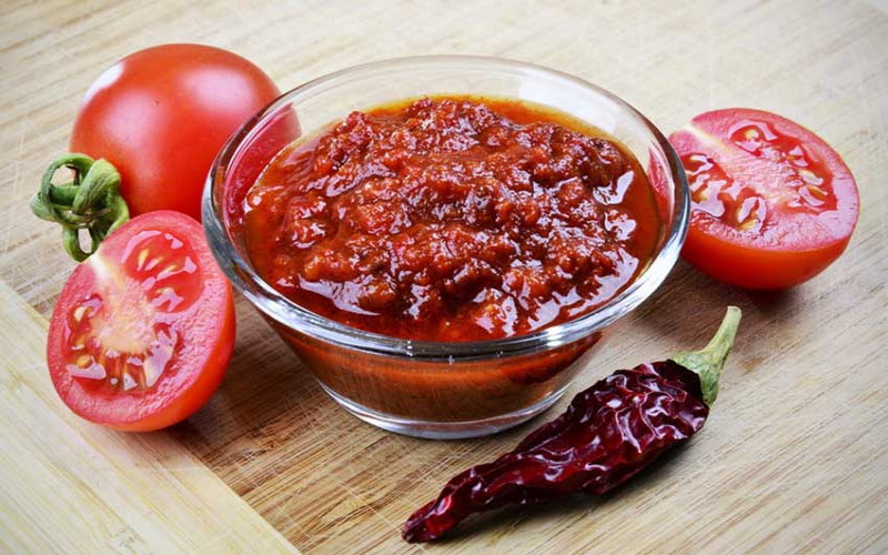 Swahili food made easy:  Pilipili ya kukaang'wa (Red chilli chutney)
