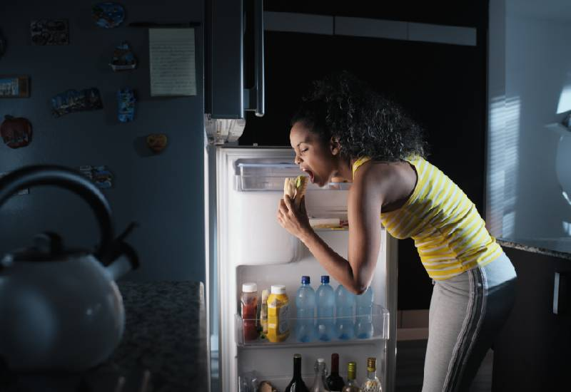Tips to help you stop night snacking