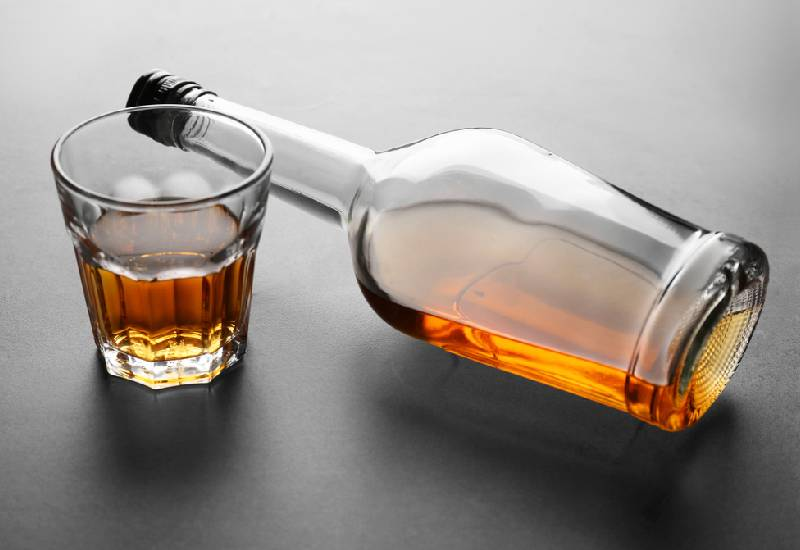 Alcohol and women: Why you should think twice before downing that bottle