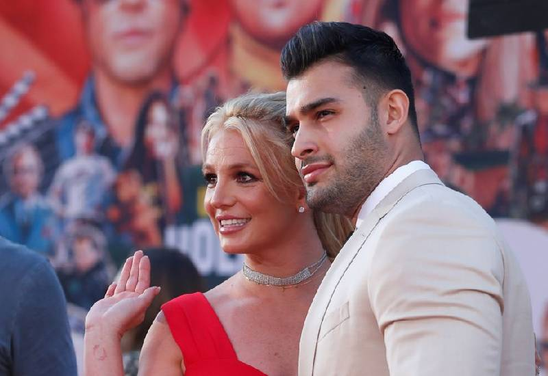 Britney Spears and boyfriend Sam Asghari are engaged
