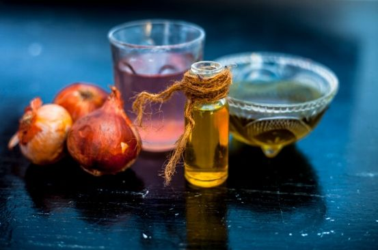 Four benefits of onion hair oil