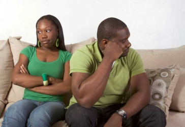 Let cheating men be, it's not your business to alert their women