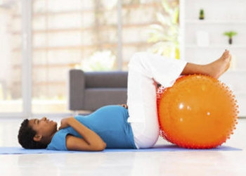 Moms and moms-to-be: work out those abs