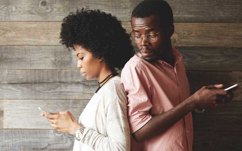 Girl talk: Do everything to keep love afloat but never share phone password