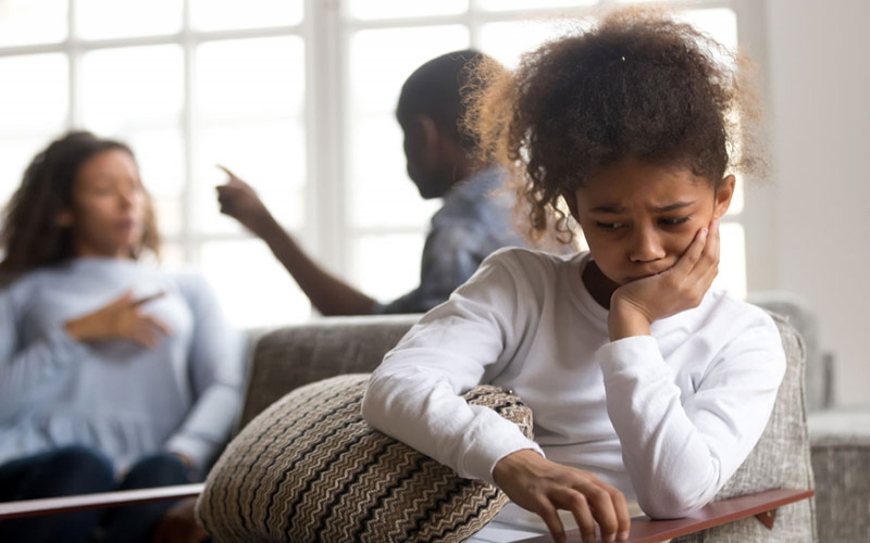 How clinging to a bad relationship is affecting your child