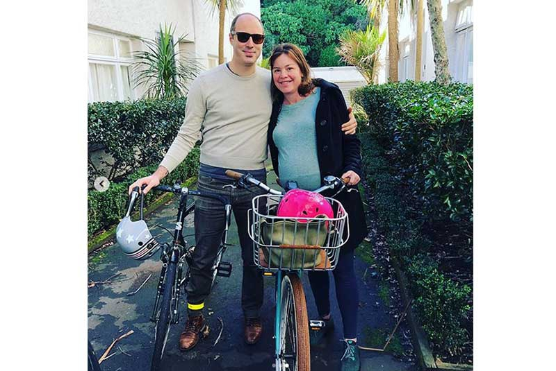 New Zealand Minister cycles to the hospital to give birth
