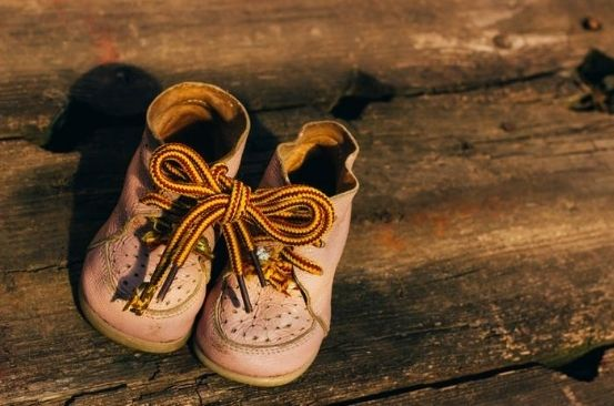 Why you shouldn't be using the 'bunny ear' method to tie your shoelaces