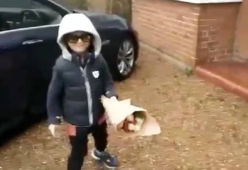 Adorable Romeo, 6, sets bar high for Valentine's Day as he surprises girlfriend on doorstep