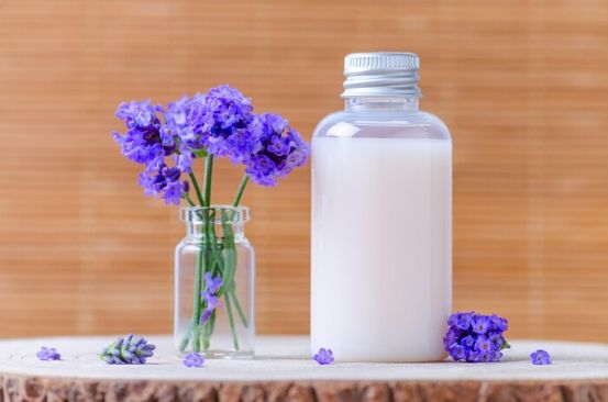 How to make herbal shampoo at home with common kitchen ingredients